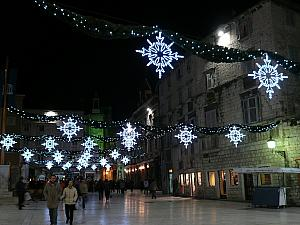 Christmas lights at the Piazza