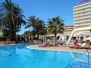 We stayed at Sol Guadalupe in Magaluf - this was our pool.