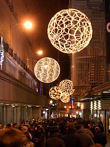 Calle del Carmen, very busy pedestrian only street, with Christmas balls.