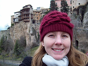 Kelly and the hanging houses in Cuenca