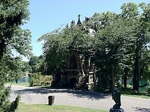 Visiting Spring Grove Cemetery in Northside