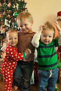 Cooper hugging cousin Capri and brother Benny
